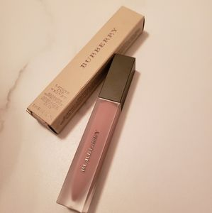 Burberry Liquid Lip Velvet in Fawn Rose